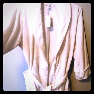 White bath robe.